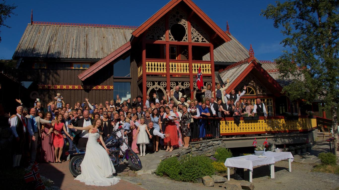 Eventyrgarden Huso.  Welcome to the adventure farm in Hemsedal. Arena for events, weddings and anniversaries. Ask for a quote.